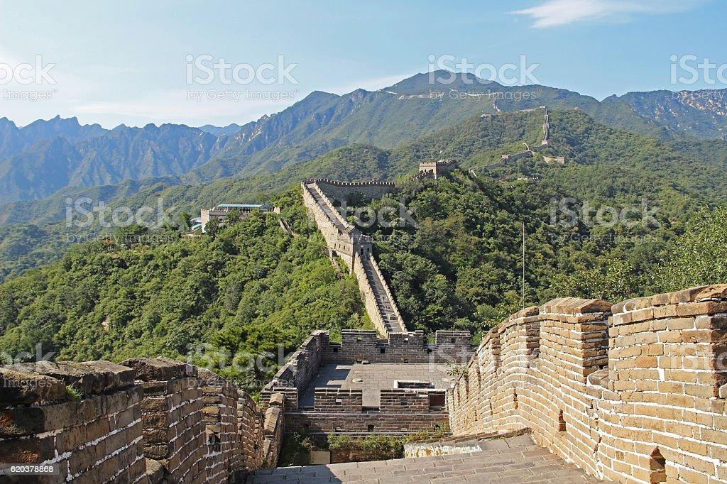 Wielki Mur Chiński w lecie. zbiór zdjęć royalty-free