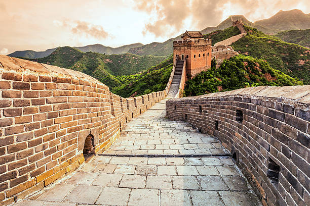 great wall the landmark of china and  beijing - sociale geschiedenis stockfoto's en -beelden