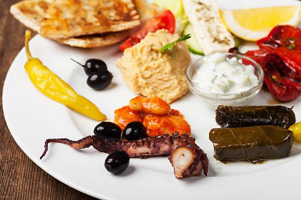 griechische appetithäppchen - taramosalata stock-fotos und bilder