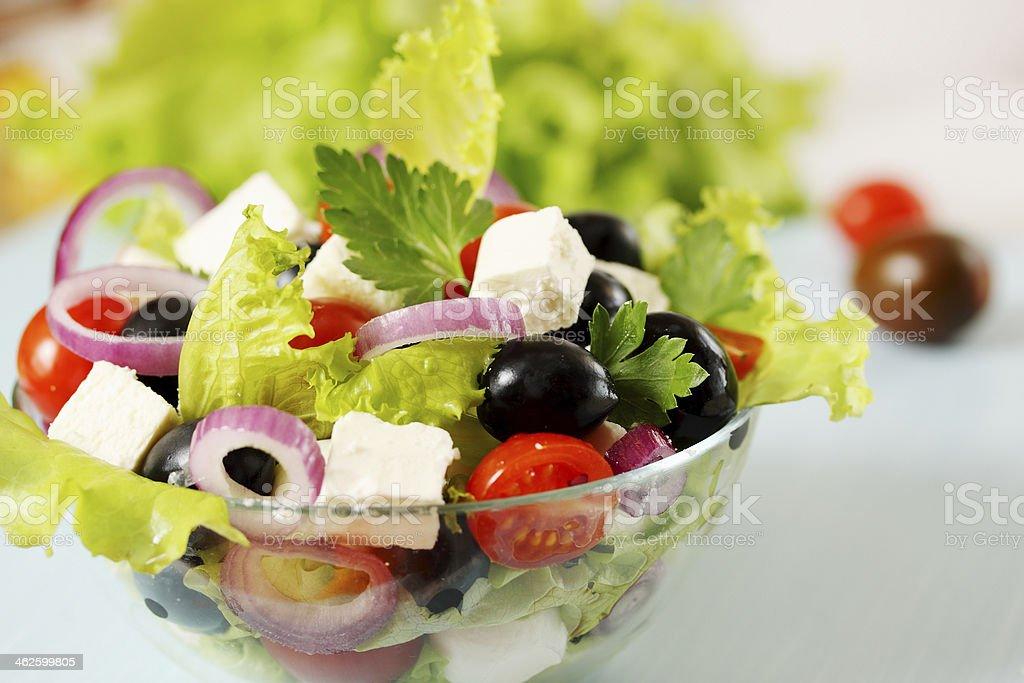 Ensalada griega con aceitunas - Foto de stock de Aceituna libre de derechos