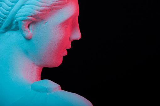 Greek women's statue replica