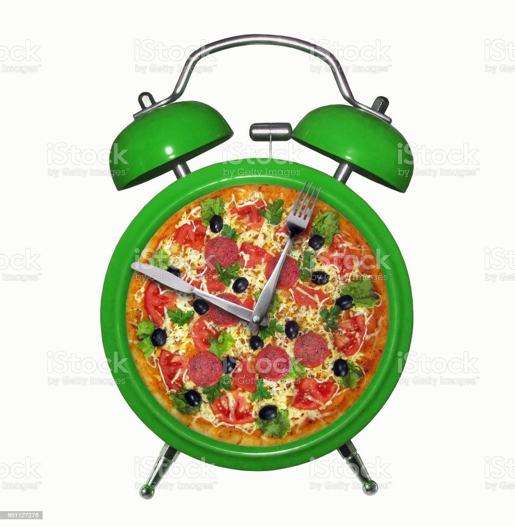 Reloj alarma verde con pizza - foto de stock