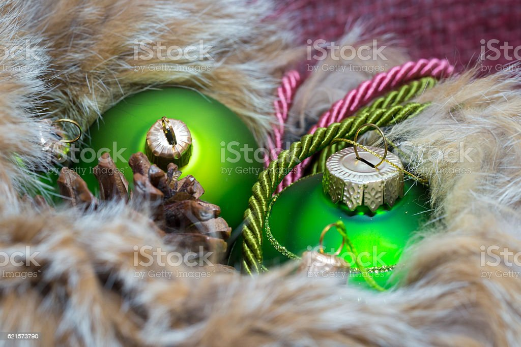 Green and gold christmas decoration in fur with decorative threa photo libre de droits