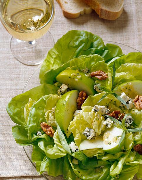 Grüner Apfel und Walnuss-Salat – Foto