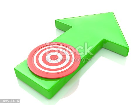 istock Green arrow direction to the target 482739016