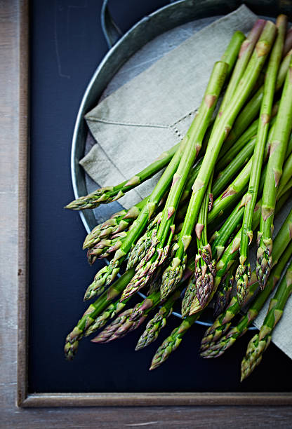 green asparagus - asparagus stock pictures, royalty-free photos & images