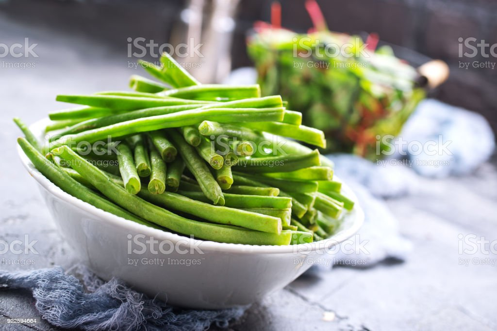 green beans and salad - Zbiór zdjęć royalty-free (Boćwina)