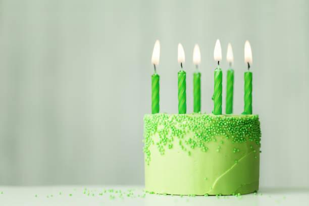 Grüne Geburtstagstorte – Foto