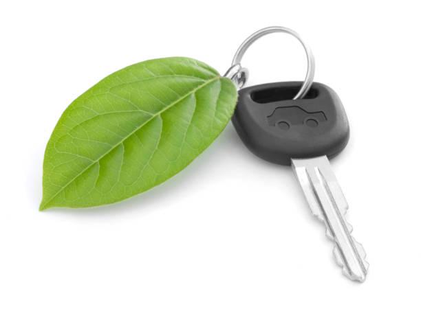 auto chiave verde - auto a combustibile alternativo foto e immagini stock