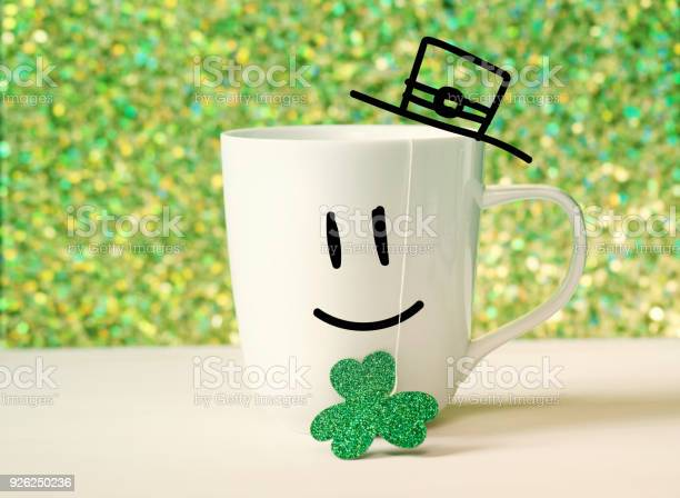 Green clover with happy face on white mug picture id926250236?b=1&k=6&m=926250236&s=612x612&h=ygxzpgzof 19l77jqsqvb1vogtnoli29nqpnraakidc=
