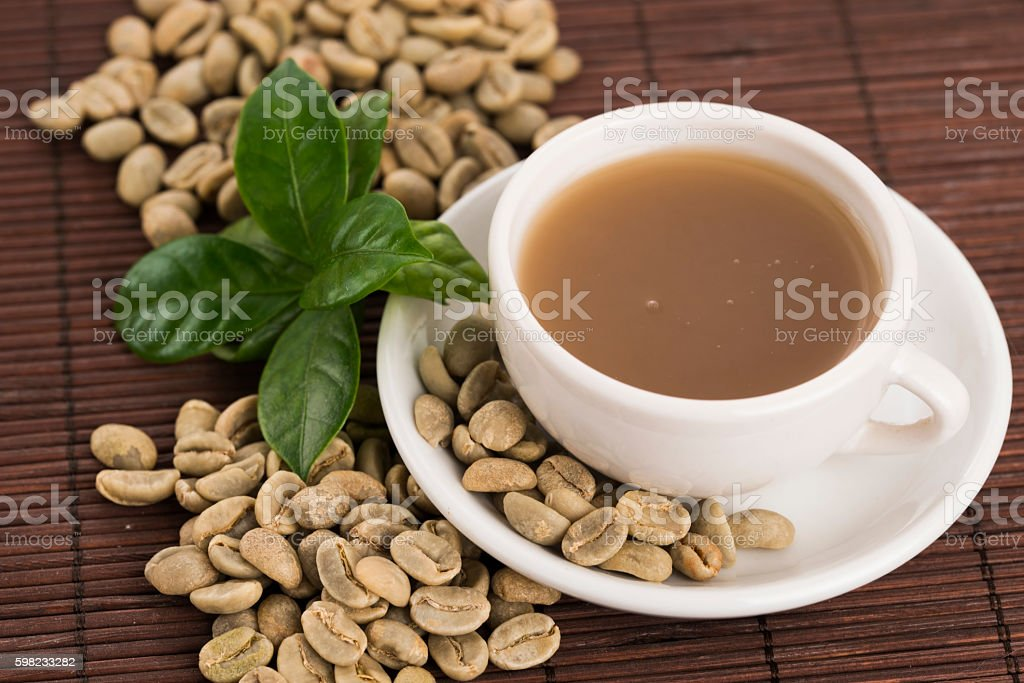 Green coffee. drink and beans foto royalty-free