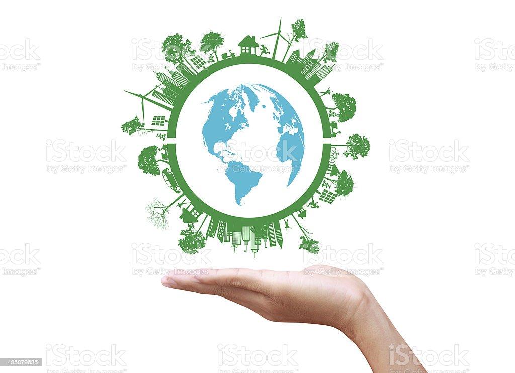Grün Konzept.  Baum auf der Erde in der hand – Foto