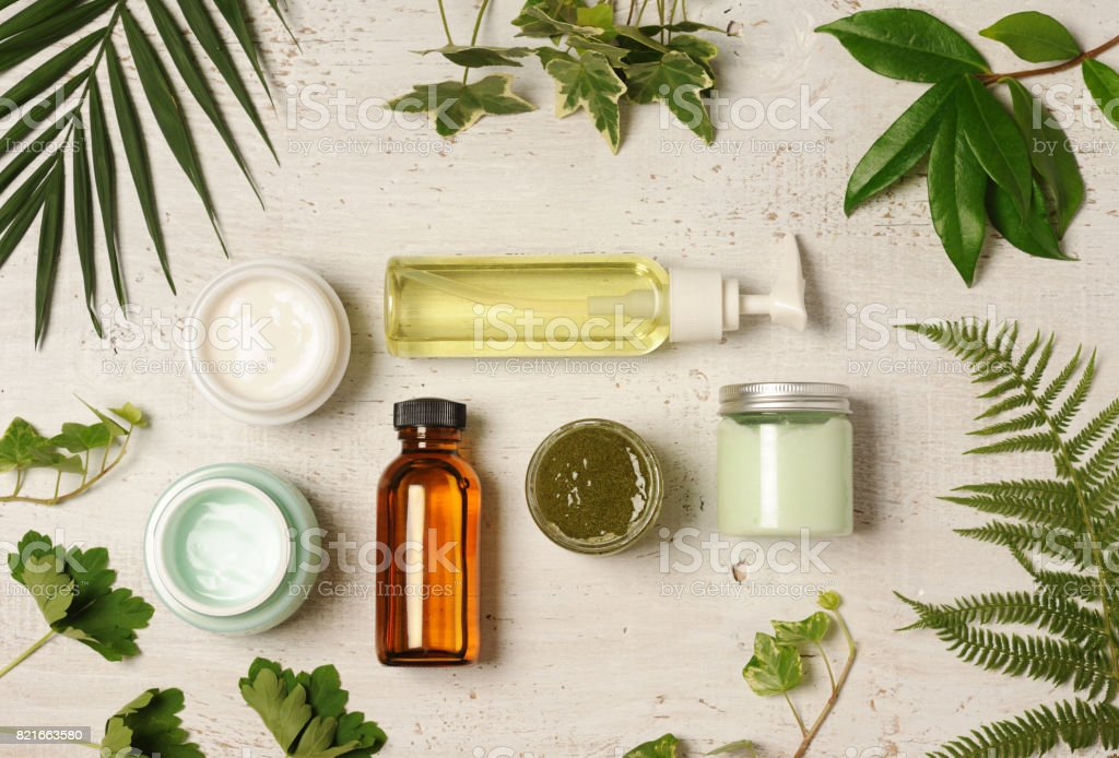 arreglo cosmético verde - foto de stock