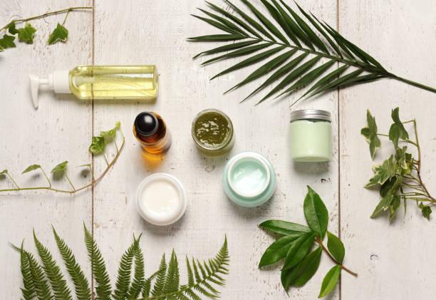 composição de cosméticos verdes - fenômeno natural - fotografias e filmes do acervo