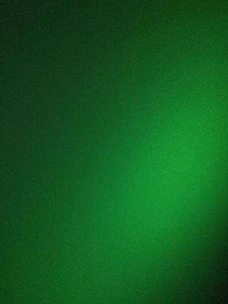 grüne defokussierte verschwommene bewegung abstrakte hintergründe - grün stock-fotos und bilder