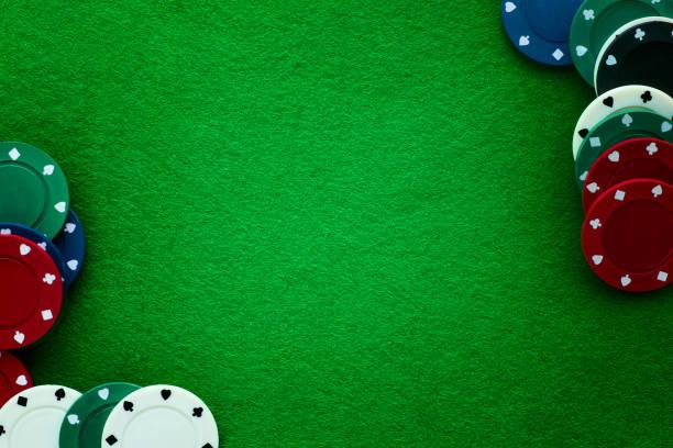 grön filt och spela marker abstrakt bakgrund. - black jack bildbanksfoton och bilder