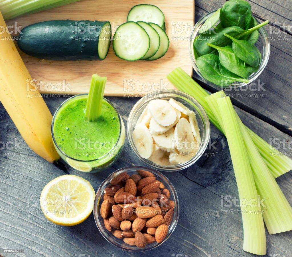 綠色清新健康奶昔 免版稅 stock photo