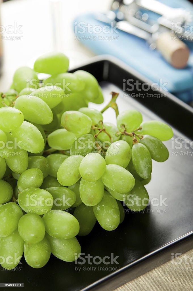 Zielony winogron na tarczy zbiór zdjęć royalty-free