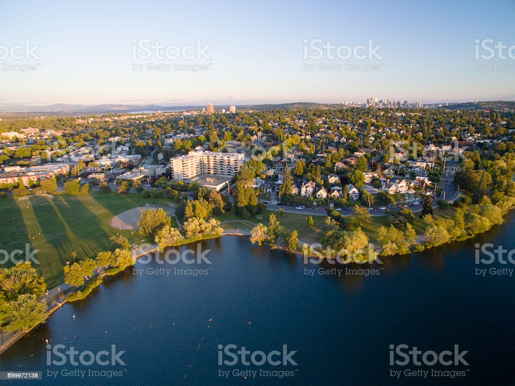 Green Lake Neighborhood of Seattle, Washington Aerial - foto de stock