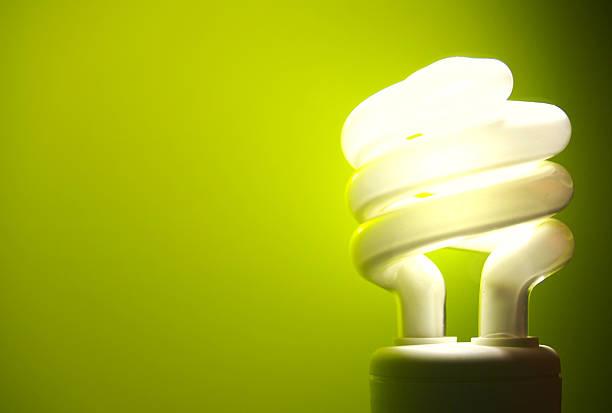 feu vert - efficacité énergétique photos et images de collection