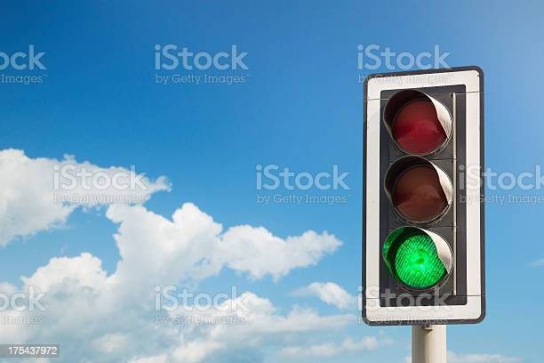 Green light picture id175437972?b=1&k=6&m=175437972&s=612x612&h=5tqy9ob2vyojw5d2wfzpxocyb7zy7uyip69ax6odmjy=