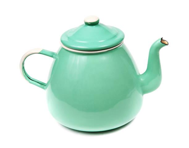 green metall-teekanne auf weiß - keramikteekannen stock-fotos und bilder