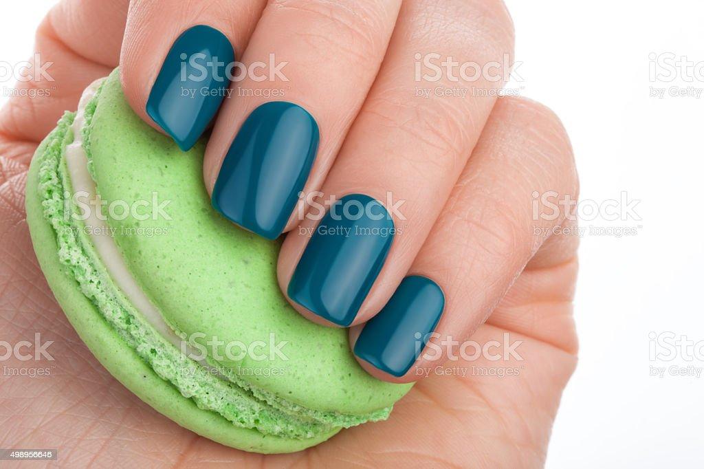 Esmalte De Uñas Verde Stock Foto e Imagen de Stock 498956646 | iStock