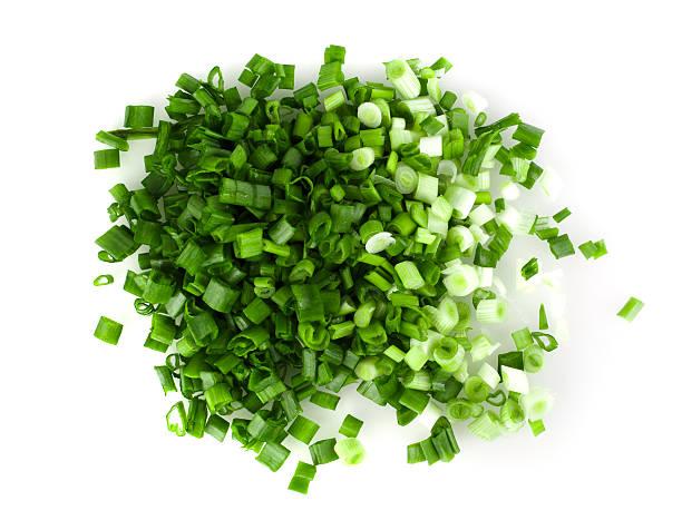 green onions on a white background - bosui stockfoto's en -beelden