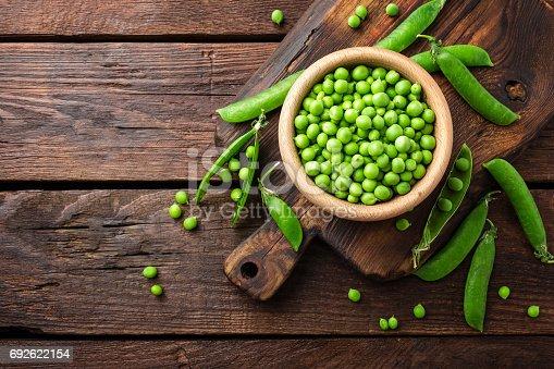 istock Green peas 692622154