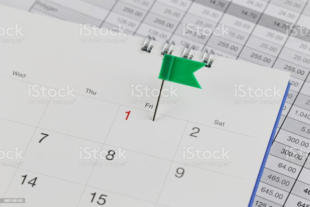 Green Pins to Wildcats on the calendar beside the number red color of first Lizenzfreies stock-foto