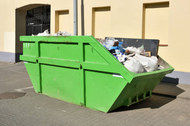 green skip (dumpster) for municipal waste - bin stock pictures, royalty-free photos & images
