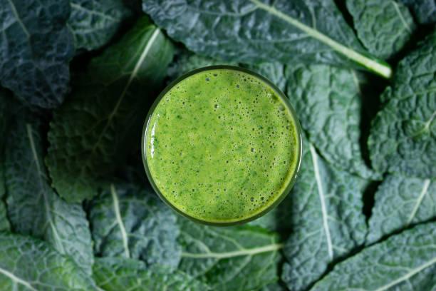Grüner Smoothie im Glas – Foto
