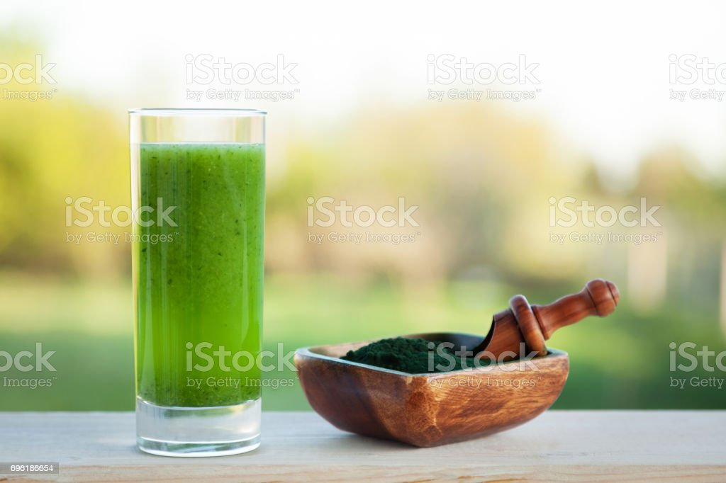 Verde batido  - foto de stock