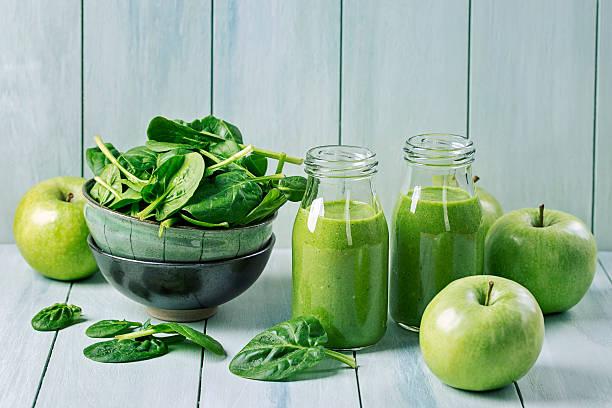 Grünen smoothie mit Spinat – Foto