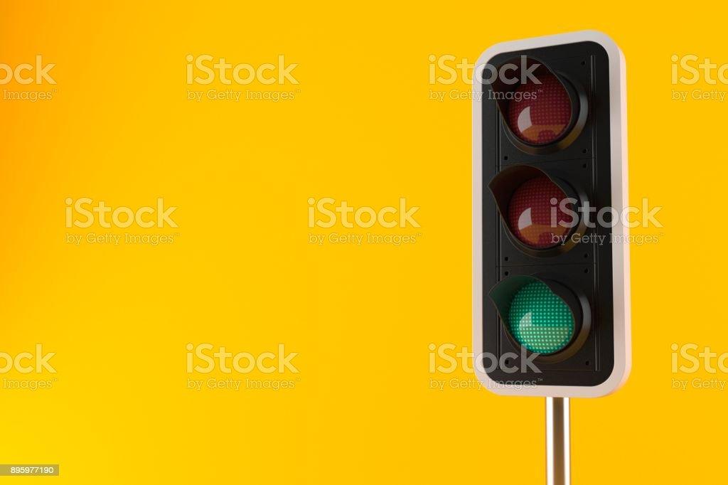 El semáforo en verde  - foto de stock