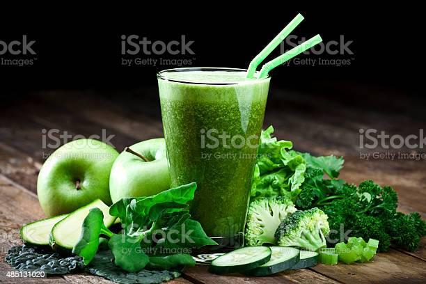 Green vegetable juice on rustic wood table picture id485131020?b=1&k=6&m=485131020&s=612x612&h=yjyh9nd3pk7jpzoltye qgyvv9noop8fxid63qoyphs=