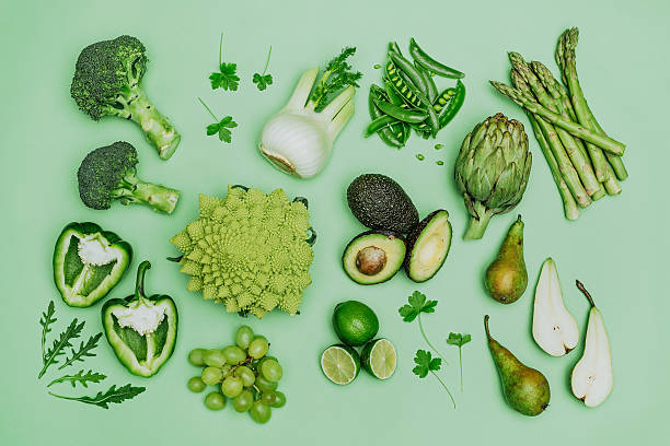 green vegetables shoot from above over head - legumes - fotografias e filmes do acervo