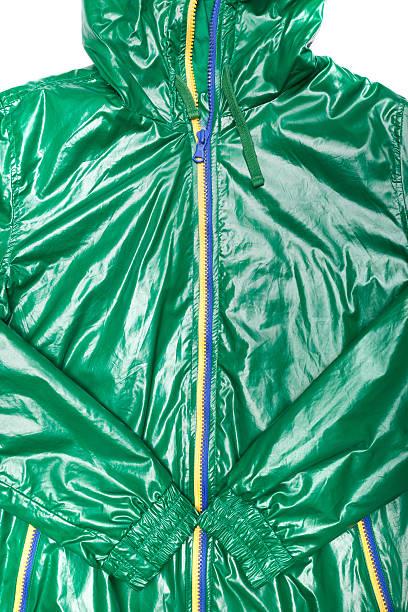 green windjacke wasserdichte jacke mit durchgehendem reißverschluss und hoodie - zip hoodies stock-fotos und bilder
