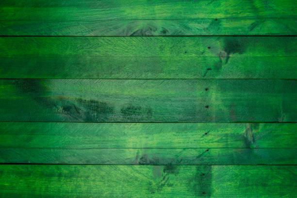 fond de bois vert dans look occasion - couleur verte photos et images de collection