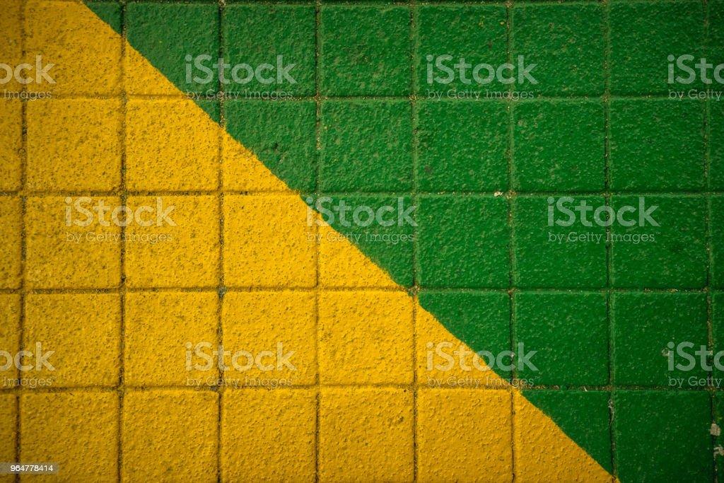Verde amarela calçada - foto de acervo