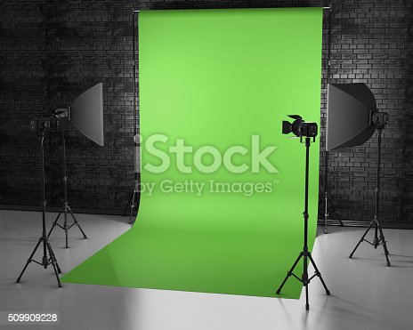istock Greenscreen studio with lightbox and softbox. 509909228
