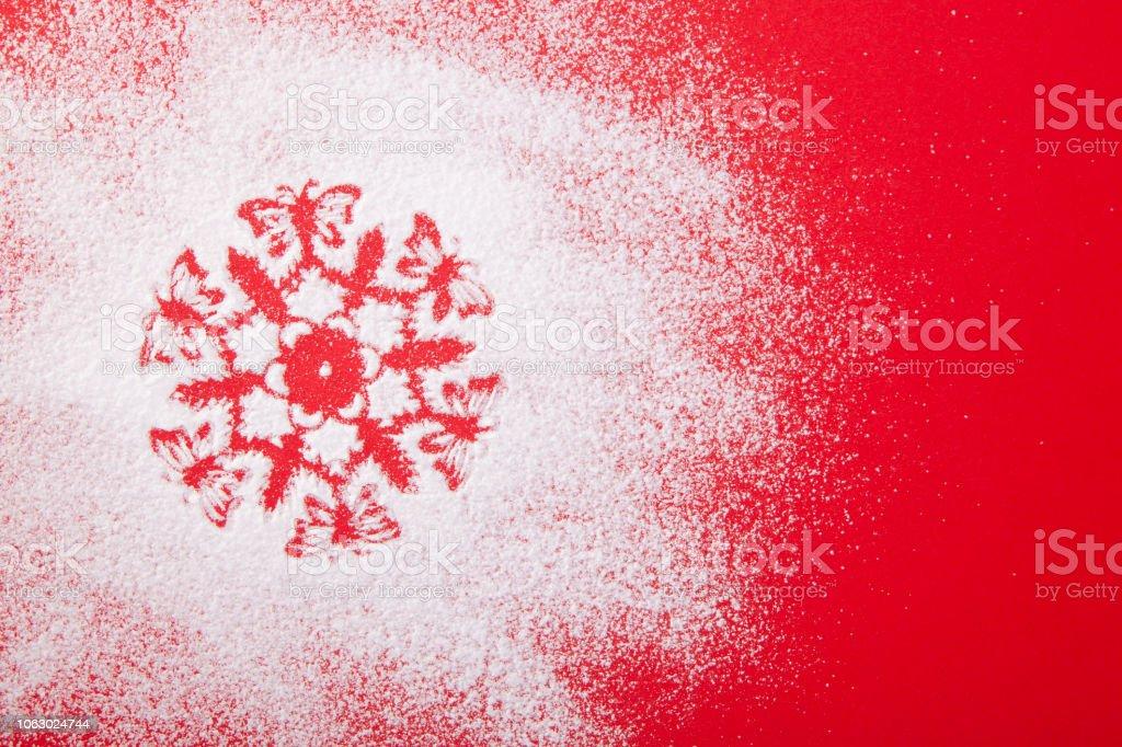 Schablone Frohe Weihnachten.Grußkarte Leer Frohe Weihnachten Und Glückliches Neues Jahr Schneeflocke Schablone Auf Rotem Grund Stockfoto Und Mehr Bilder Von 2019