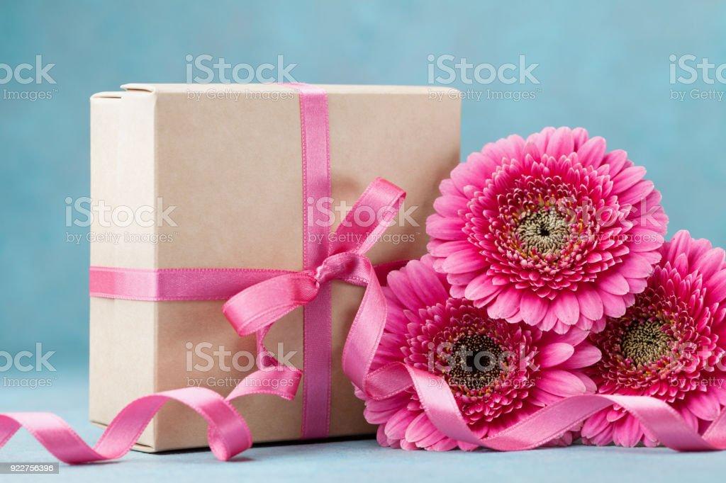Carte De Voeux Pour Anniversaire Fete Des Meres Ou Une Femme Bouquet