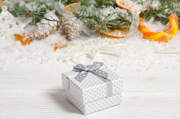Biglietto d'auguri di Natale su legno top - foto stock