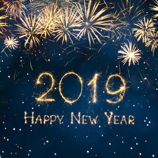 tarjeta de felicitación de feliz año nuevo 2019 - postal worker fotografías e imágenes de stock