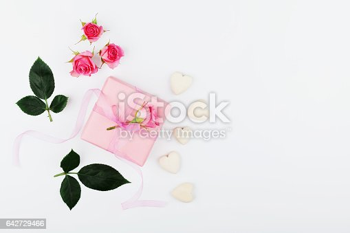 825251738istockphoto Greeting card on Womans day concept. Flat lay. Copy space. 642729466