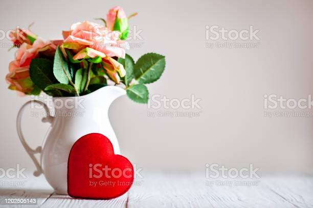 Greeting card with flowers and heart background with copy space picture id1202505143?b=1&k=6&m=1202505143&s=612x612&h=zfua83 sq7yworevfhalb9huj46vkochgyzz7mvya 4=