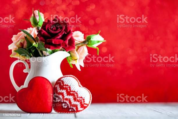 Greeting card with flowers and heart background with copy space picture id1202505254?b=1&k=6&m=1202505254&s=612x612&h=9t51szppm6yolkvz3zcw7ecjarq7iq8vuutciylbr4a=