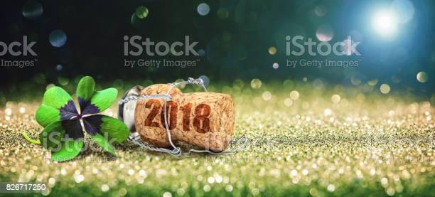 Greeting card with four leaf clover and champagne cork picture id826717250?b=1&k=6&m=826717250&s=612x612&h=ynnbqmnxxynzoiov39dxu37jdpb1hvj1za8irfbcwd4=