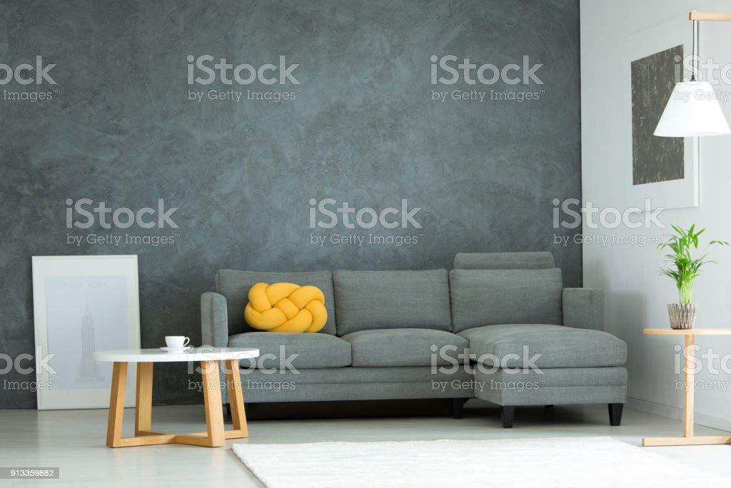 Grau Und Gelb Wohnzimmer Stockfoto und mehr Bilder von Behaglich ...